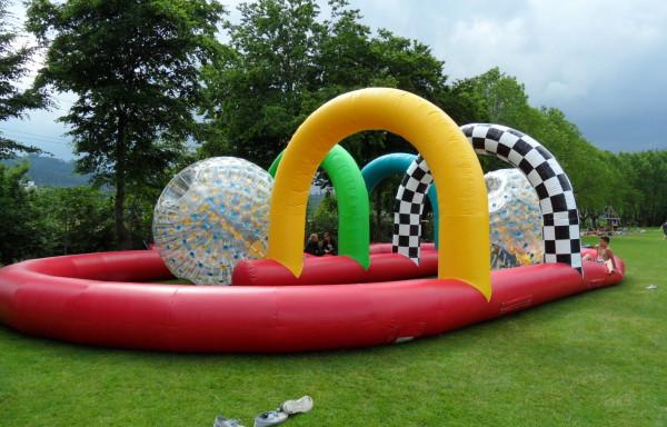 Circuit de course gonflable