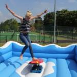 Surfsimulator Sport Spiel Mieten