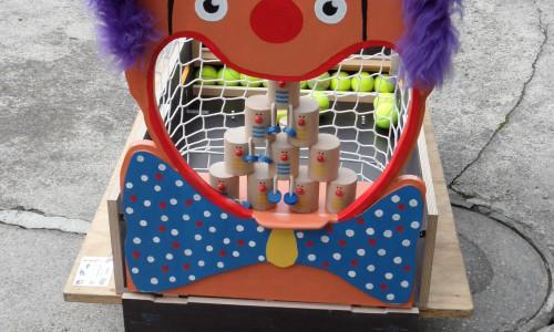Clown à boîtes