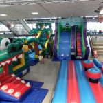 Aufblasbare Palmenrutsche Spiele mieten Indoor