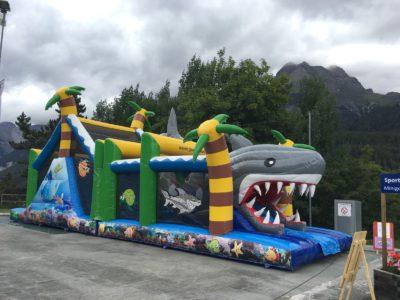 Château gonflable Requin géant